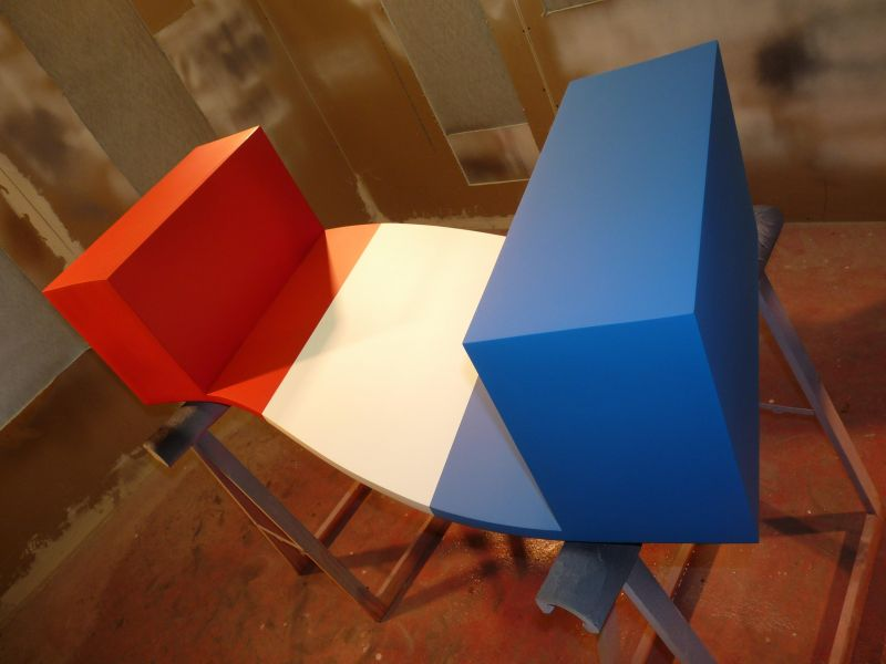 tablebasseparisbleublancrouge.jpg